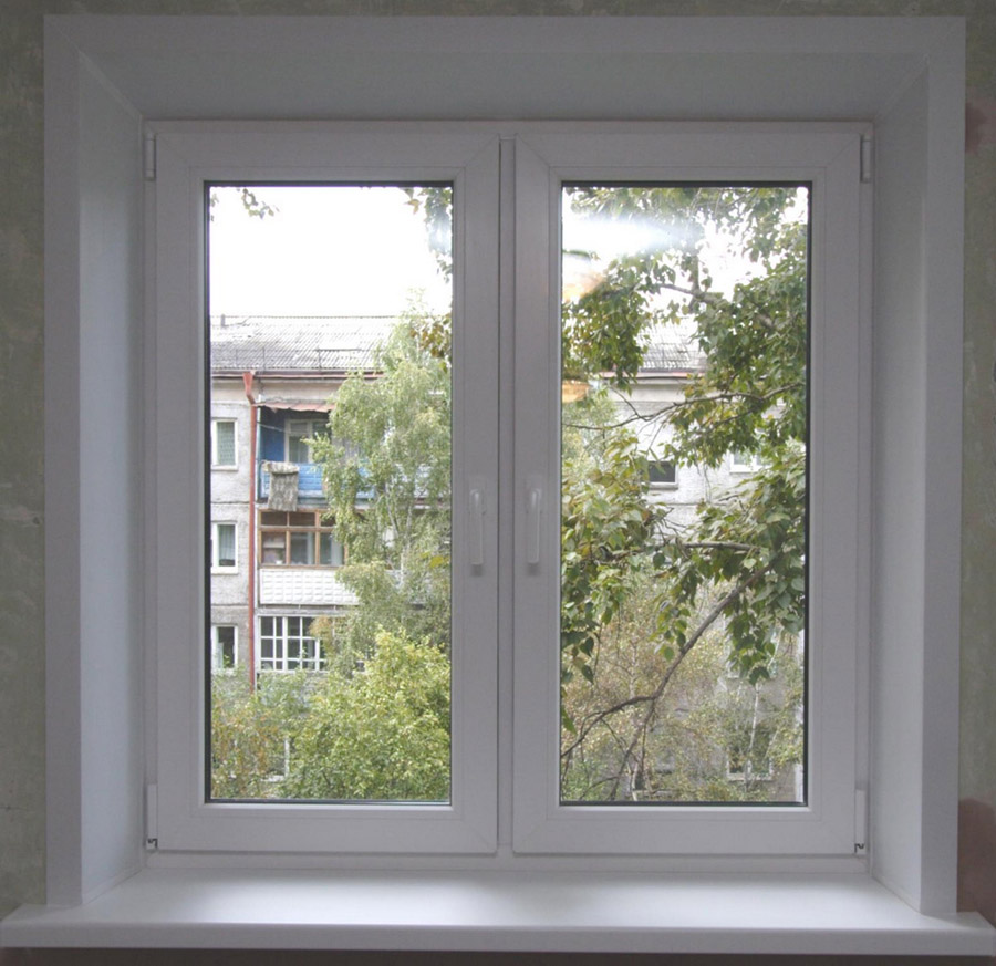 Окно с отделкой откосов