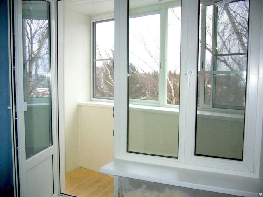 Комплексная отделка балкона в Клину
